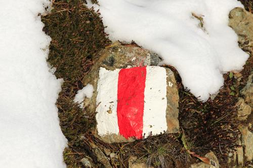 Der Weg ist auch beim ersten Schnee zu finden