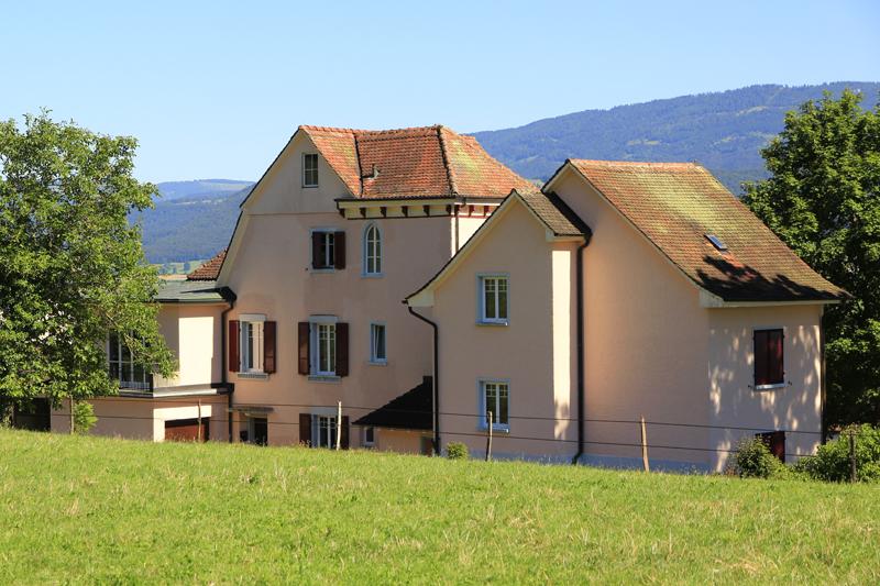La Solitude steht heute noch, ist aber in einen privaten Schulkomplex eingebunden